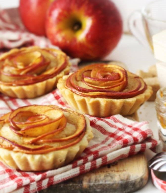 Cách làm bánh táo kem hạnh nhân 1 cách làm bánh táo kem hạnh nhân Cách làm bánh táo kem hạnh nhân chua ngon vô ngần cach lam banh tao kem hanh nhan 1