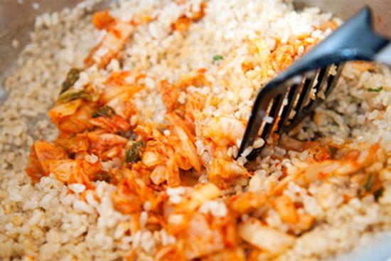 cách làm cơm hàn quốc cách làm cơm Cách làm cơm Hàn Quốc chuẩn vị xứ Kim Chi cach lam com han quoc 61