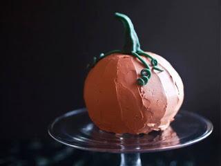 Cách tạo hình bánh bí ngô Halloween 10 cách tạo hình bánh bí ngô halloween Cách tạo hình bánh bí ngô Halloween ngộ nghĩnh ai ai cũng làm được cach tao hinh banh bi ngo halloween 10