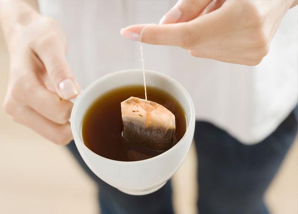 công dụng của trà túi lọc 4 công dụng của trà túi lọc Công dụng của trà túi lọc sẽ khiến bạn cực bất ngờ đấy cong dung cua tra tui loc 4