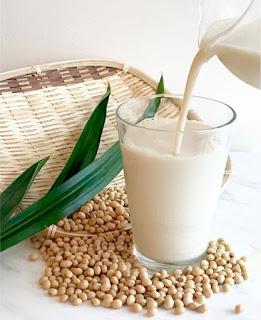 sữa đậu nành trà xanh 4 sữa đậu nành trà xanh Sữa đậu nành trà xanh ngon lạ lại dinh dưỡng cuối tuần sua dau nanh tra xanh 4
