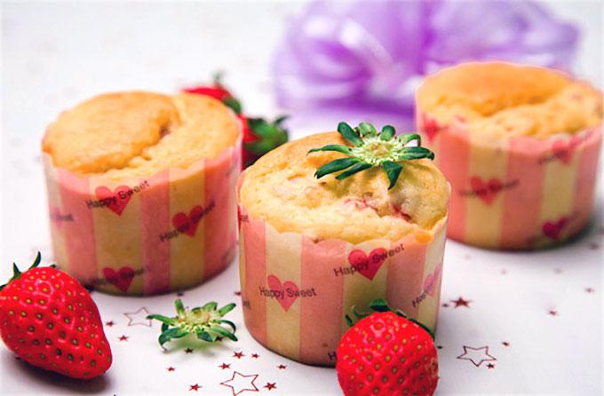 cách làm bánh cupcake dâu tây sữa chua 2 cách làm bánh cupcake dâu tây sữa chua Cách làm bánh cupcake dâu tây sữa chua ngon thế này sao cứ phải tìm đâu xa cach lam banh cupcake dau tay sua chua 2