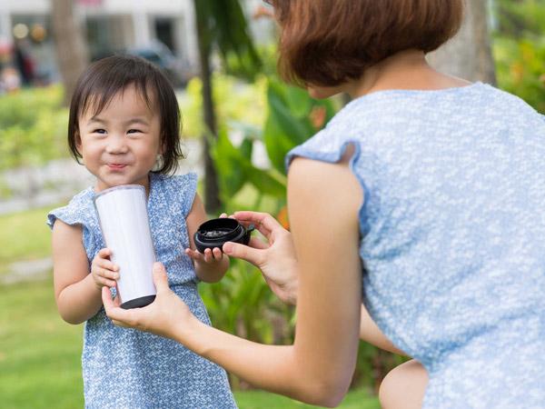 làm sữa hạt Hướng dẫn sơ chế nguyên liệu để làm sữa hạt đúng cách be 1 tuoi uong sua gi de tang can
