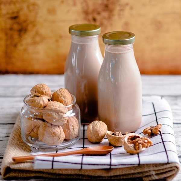 máy làm sữa hạt Những lưu ý quan trọng khi mua máy làm sữa hạt cho gia đình nguyen lieu lam sua nutri deli