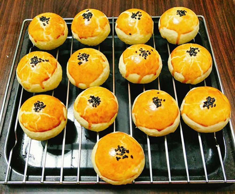 bánh trung thu trứng muối Học ngay cách làm bánh trung thu trứng muối Đài Loan hot nhất năm 2019 b  nh trung thu tr   ng mu   i     i loan
