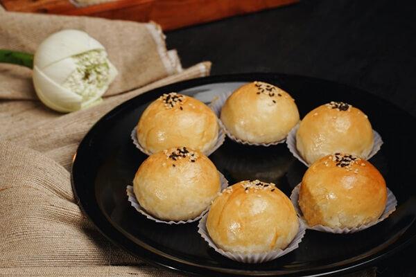 hoc-ngay-cach-lam-banh-trung-thu-trung-muoi-dai-loan-hot-nhat bánh trung thu trứng muối Học ngay cách làm bánh trung thu trứng muối Đài Loan hot nhất năm 2020 hoc ngay cach lam banh trung thu trung muoi dai loan hot nhat 2