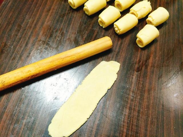 hoc-ngay-cach-lam-banh-trung-thu-trung-muoi bánh trung thu trứng muối Học ngay cách làm bánh trung thu trứng muối Đài Loan hot nhất năm 2020 hoc ngay cach lam banh trung thu trung muoi dai loan hot nhat2