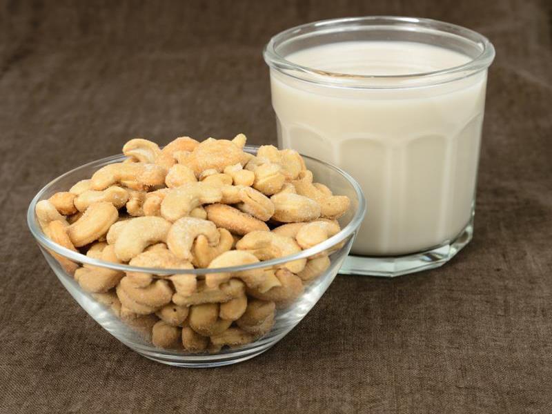 sữa hạt điều Chia sẻ cách làm sữa hạt điều thơm ngon 468765620 XS 1