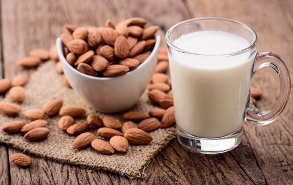 sữa hạnh nhân Sữa hạnh nhân và những công dụng tuyệt vời almonds and almond milk