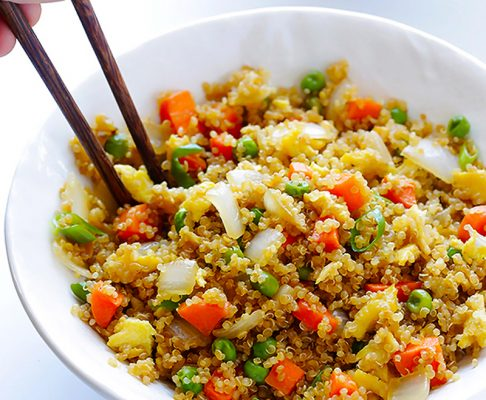 hạt diêm mạch Tìm hiểu về lợi ích của loại hạt siêu thực phẩm – Hạt diêm mạch Quinoa cach nau hat quinoa hat diem mach don gian nhat 486x400