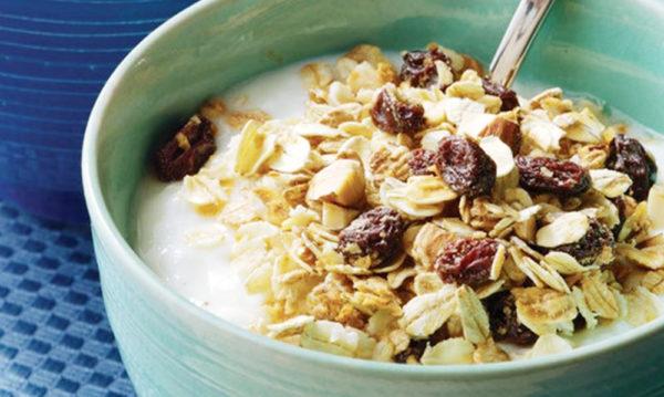 ngũ cốc ăn sáng với sữa ngũ cốc ăn sáng với sữa Cơn sốt ngũ cốc ăn sáng với sữa dành cho bé mùa tựu trường năm nay ngu coc an sang voi sua e1564482730790