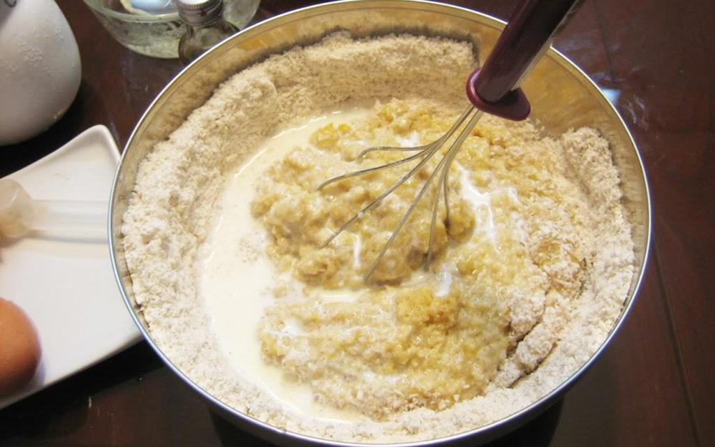banh-bot-mi bánh bột mì Cách làm bánh bột mì hấp dẫn ngày thu lạnh 5 loi co ban khi tien hanh tron bot lam banh can nam ro dai dien 1024x640