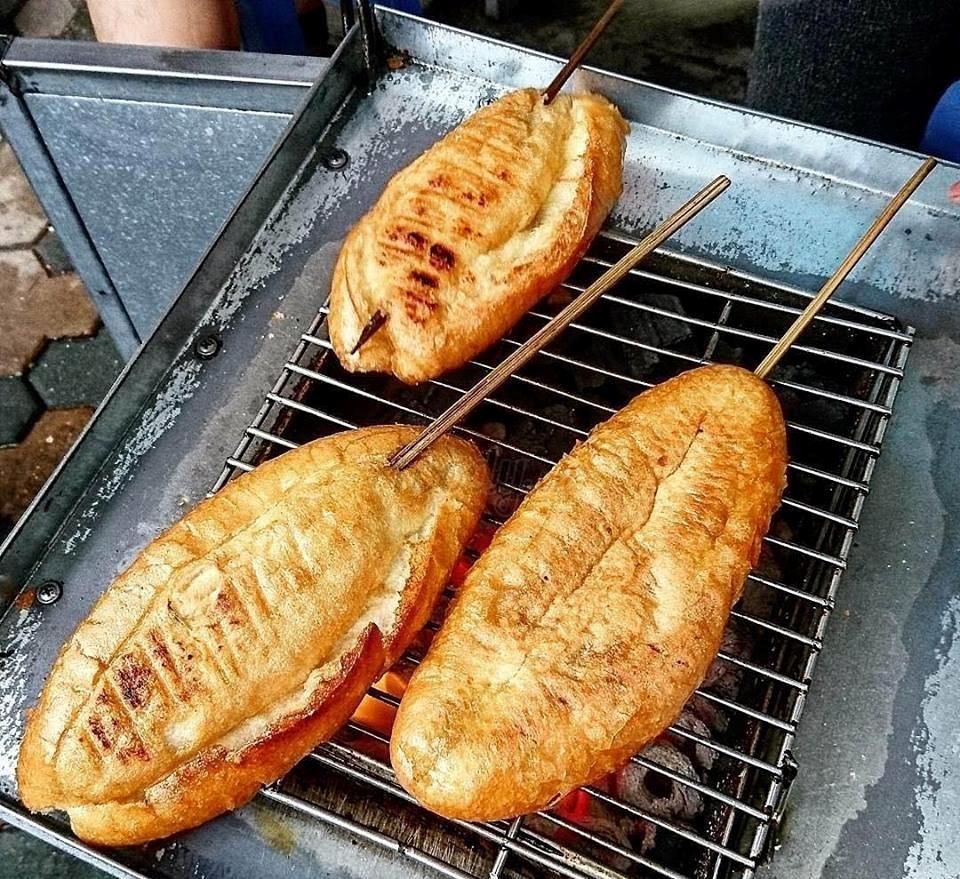 banh-my-nuong-mat-ong bánh mỳ nướng mật ong Cách làm bánh mỳ nướng mật ong siêu ngon buổi sáng b6