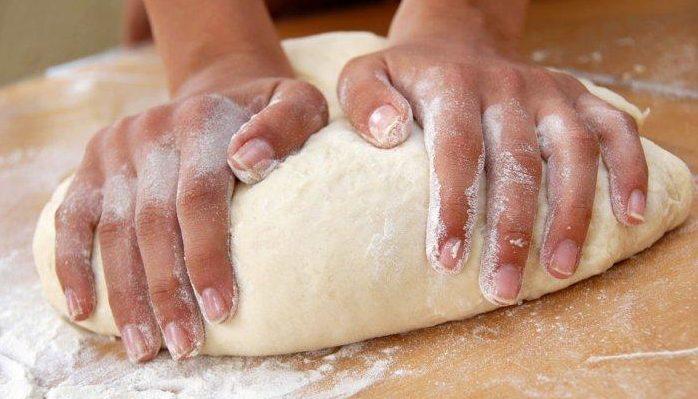 banh-bot-mi bánh bột mì Cách làm bánh bột mì hấp dẫn ngày thu lạnh cach lam banh bot mi hap 2 e1567153679486