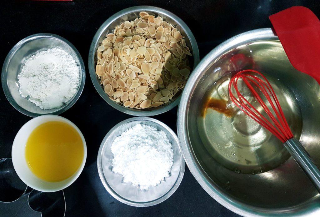 banh-ngoi-hanh-nhan bánh ngói hạnh nhân Bánh ngói hạnh nhân Almond Tuiles ngon hết nấc cach lam banh ngoi hanh nhan 1 1024x694