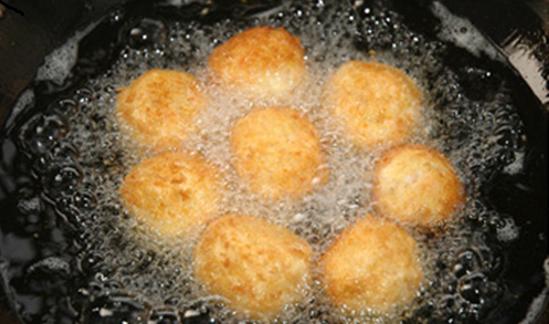 banh-bot-mi bánh bột mì Cách làm bánh bột mì hấp dẫn ngày thu lạnh cach lam banh ran don gian tu bot mi 11