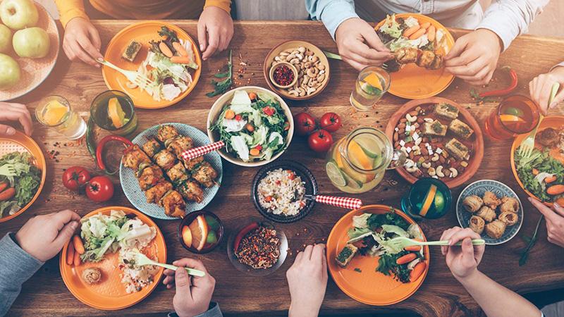 chế độ ăn uống lành mạnh những kiểu ăn uống không an toàn Những kiểu ăn uống không an toàn nên tránh che do an uong lanh manh 1
