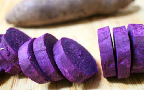 banh-khoai-lang-chien-phong bánh khoai lang chiên phồng Cách làm bánh khoai lang chiên phồng ai cũng thèm khoai lang 1