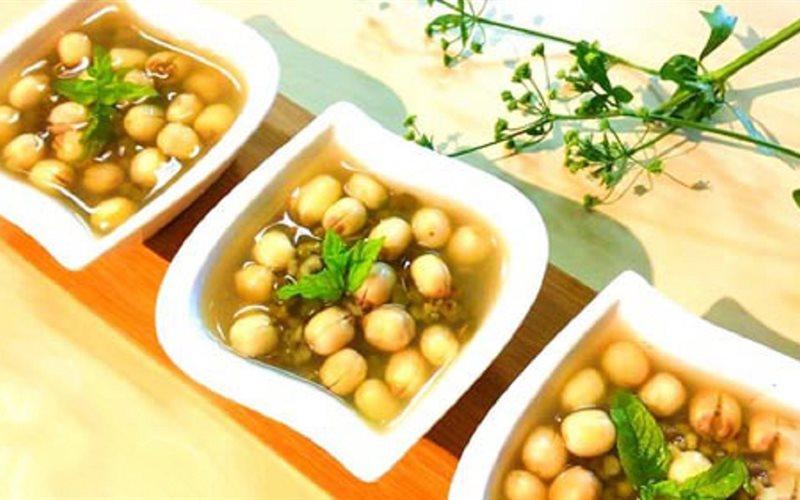 nau-che-hat-sen nấu chè hạt sen Cách nấu chè hạt sen thơm ngon, tươi mát recipe cover r26114