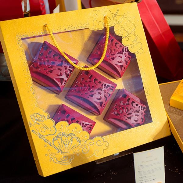 hộp bánh trung thu đẹp quà tặng trung thu Mua gì làm quà tặng Trung thu cho gia đình? set qua cao cap