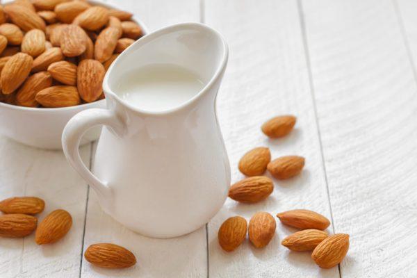 sữa hạt cho bé sữa hạt cho bé Sữa hạt cho bé vừa dễ làm vừa dễ uống mà không lo rối loạn tiêu hóa (Phần 3) sua hat cho be 01 6 e1564915456636
