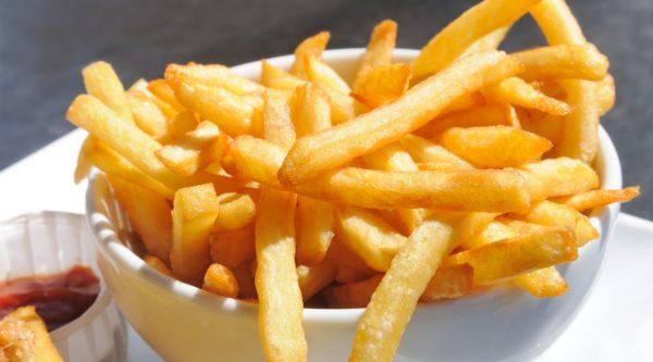 ăn uống không an toàn những kiểu ăn uống không an toàn Những kiểu ăn uống không an toàn nên tránh thuc pham 01 e1564887809177