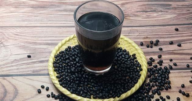 nuoc-do-den-rang nước đỗ đen rang Nước đỗ đen rang uống mỗi ngày liệu có tốt không? uong nuoc dau den rang co tac dung gi cach lam nuoc dau den rang al