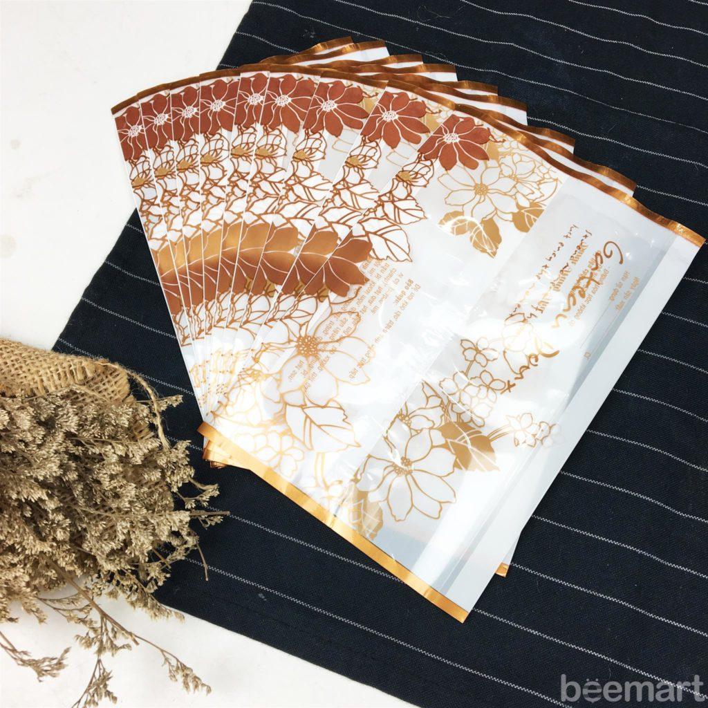 Các loại túi đựng bánh trung thu 150gr túi đựng bánh trung thu 150gr Các loại túi đựng bánh trung thu 150gr watermarked tui s10 trung thu gateau doux trang hoa vang 10c 1024x1024