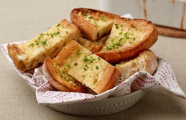 banh-mi-bo-duong bánh mì bơ đường Cách làm bánh mì bơ đường béo ngậy, thơm ngon 091dc07705584b6f472a78d0c94a6122