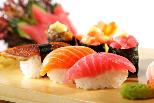 cach-lam-sushi cách làm sushi Cách làm sushi ngon nhất cùng thưởng thức cuối tuần 10062017 Day la ly do do an truyen thong cua Nhat Ban giup con nguoi song tho hon