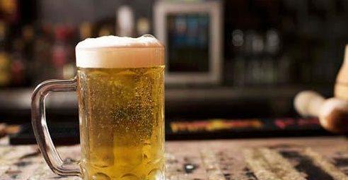 bia-va-trung-ga bia và trứng gà Bạn có biết bia và trứng gà có tác dụng gì không? ai khong nen dung bia voi trung ga e1569218034506
