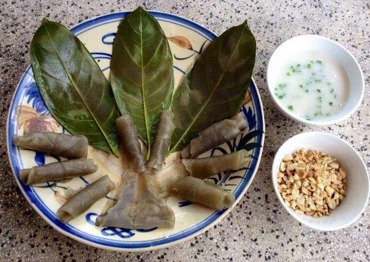 banh-la-mo bánh lá mơ Cách làm bánh lá mơ lạ miệng nhưng không kém phần hấp dẫn banh la mit rau mo   recipe main photo