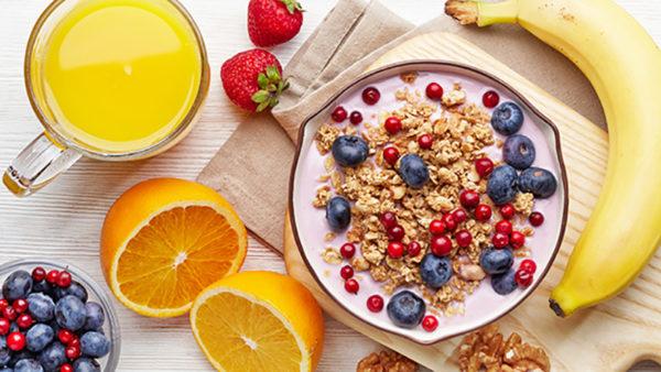 bữa sáng dinh dưỡng bữa sáng dinh dưỡng Bữa sáng dinh dưỡng cho ngày tràn đầy năng lượng bua sang dinh duong voi ngu coc e1569262043409