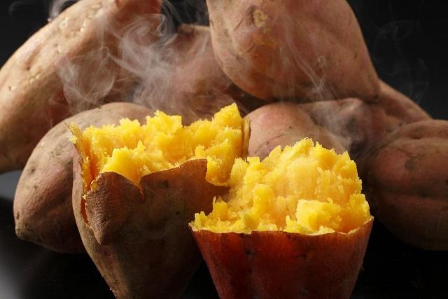 cach-hap-khoai-lang cách hấp khoai lang Cách hấp khoai lang ngon bở giữ được nhiều dinh dưỡng cach hap khoai lang