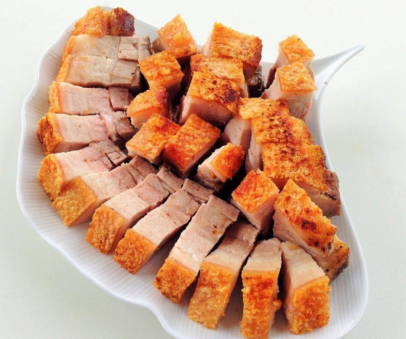 banh-mi-thit bánh mì thịt Các cách làm bánh mì thịt siêu ngon, siêu hấp dẫn cach lam banh mi thit de ban 4 e1569654145311