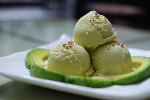 kem-bo-sua-tuoi kem bơ sữa tươi Cách làm kem bơ sữa tươi ngon không thể chối từ cach lam kem bo ngon mat ngay he 4