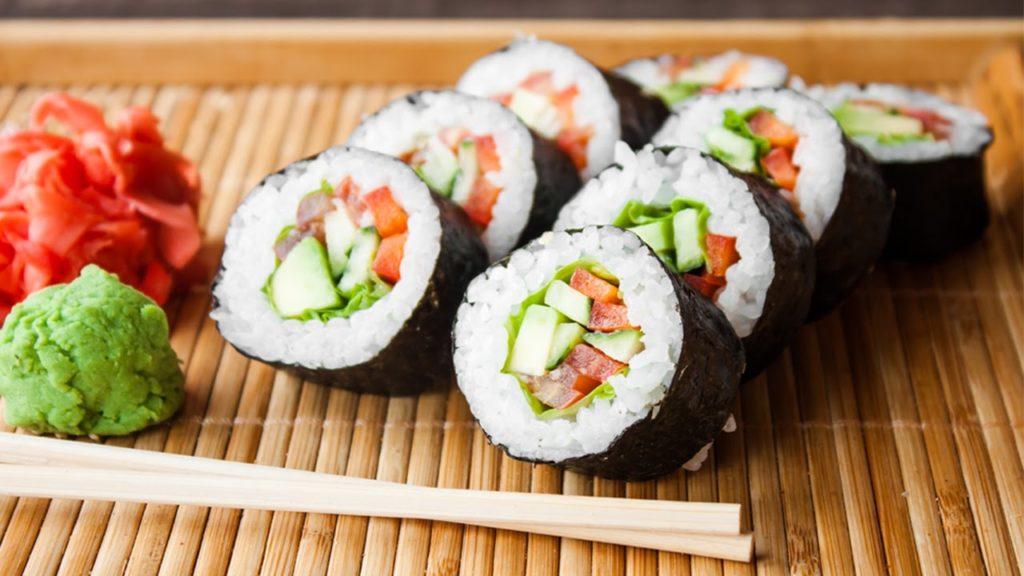 cach-lam-sushi cách làm sushi Cách làm sushi ngon nhất cùng thưởng thức cuối tuần cach lam mon sushi nhat ban ngon tuyet chi trong 30 phut 1024x576