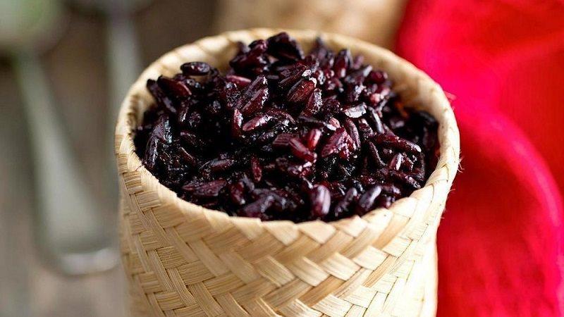 nau-nep-cam-bang-noi-com-dien nấu nếp cẩm bằng nồi cơm điện Bí kíp nấu nếp cẩm bằng nồi cơm điện vừa ngon dẻo thơm gao nep cam