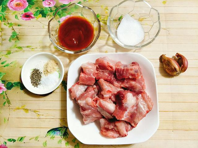 suon-xao-chua-ngot sườn xào chua ngọt Cách làm sườn xào chua ngọt ngon ăn là nghiền nguyen lieu lam suon xao chua ngot
