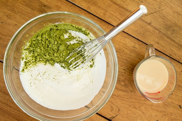 banh-trung-thu-tra-xanh bánh trung thu trà xanh Cách làm bánh trung thu trà xanh thơm ngọt bùi nha  o bo    t ba  nh trung thu tra   xanh