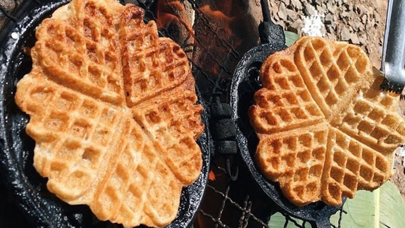 Bánh kẹp tàn ong bánh kẹp tàn ong Những cách làm bánh kẹp tàn ong ai cũng mê nuong banh kep tan ong