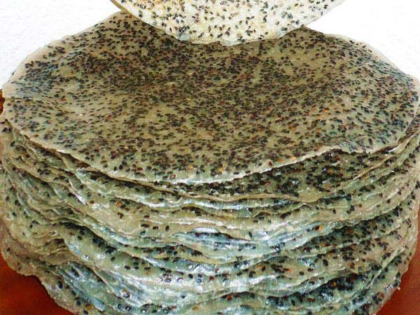banh-da-vung bánh đa vừng Hướng dẫn cách làm bánh đa vừng bằng chảo chống dính cực đơn giản banh da vung sau khi say kho 1