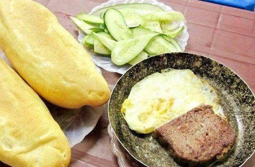 banh-mi-pate bánh mì pate Cách làm bánh mì pate đặc biệt cho bữa sáng tại nhà banh mi pa te