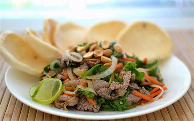 bo-tai-chanh bò tái chanh Cách làm bò tái chanh ngày cuối tuần cho bữa cơm thêm vị bo tai chanh an kem phong tom