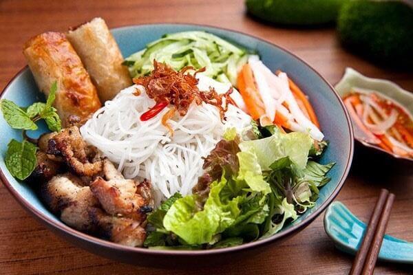 bun-thit-nuong bún thịt nướng Cách làm bún thịt nướng đúng chuẩn vị Hà Nội ngon hết ý bun thit nuong kieu mien nam