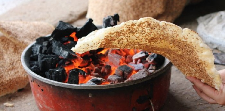 banh-da-vung bánh đa vừng Hướng dẫn cách làm bánh đa vừng bằng chảo chống dính cực đơn giản cach lam banh da vung 3