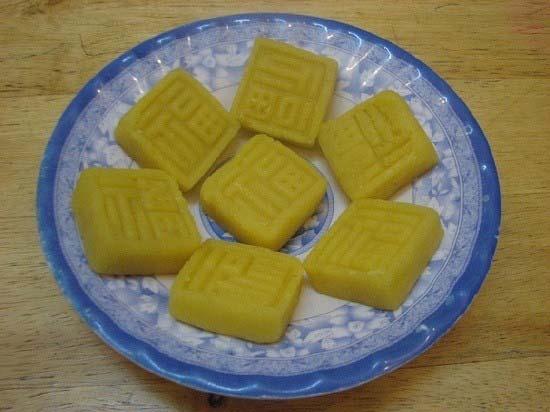 banh-dau-xanh bánh đậu xanh Cách làm bánh đậu xanh thơm ngon đặc sản Hải Dương cach lam banh dau xanh ngon nhu dac san hai duong 1
