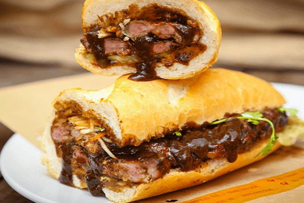 nuoc-sot-banh-mi nước sốt bánh mì Cách làm nước sốt bánh mì thịt nướng – linh hồn của ẩm thục Việt cach lam banh mi nuoc sot banh mi thit nuong ngon 1