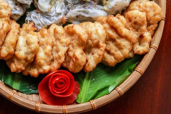 cach-lam-cha-muc cách làm chả mực Cách làm chả mực Quảng Ninh siêu ngon ăn là mê cach lam cha muc ha long