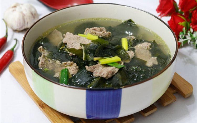 cach-nau-canh-rong-bien canh rong biển Cách nấu canh rong biển thịt bò chuẩn chỉnh vị người Hàn Quốc cach nau canh rong bien thit bo ngon